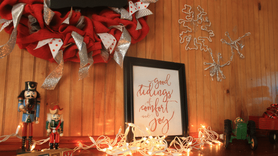 Create a Beautiful Christmas Mantel Under $20 This Year