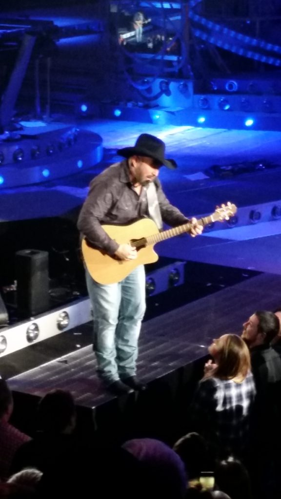 5 Ways We've Saved Money This Week: Garth Brooks!!