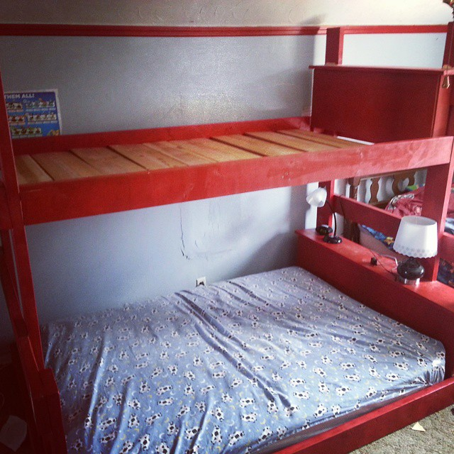 How to organize a large family in a small house. Bunk beds!