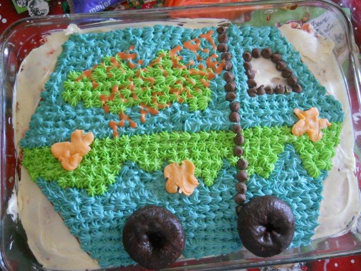 The Mystery Machine birthday cake