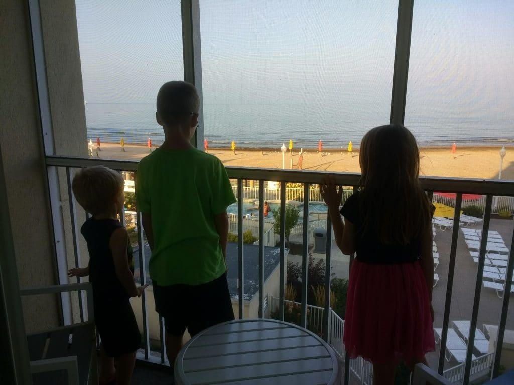 kids at hotel